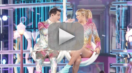 Taylor swift and brendon urie dazzle with live me performance