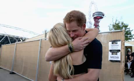 Prince Harry Hugs Ellie Goulding Invictus Games