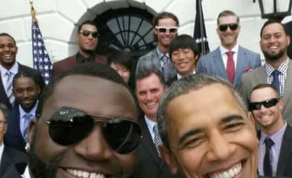 David Ortiz-Barack Obama Selfie: Samsung Product Placement Alert!