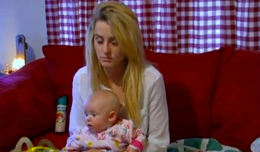 Leah Messer Passes Out Sitting Up