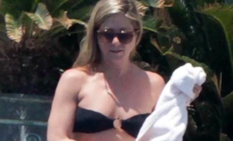 Jennifer Aniston Bikini Sighting
