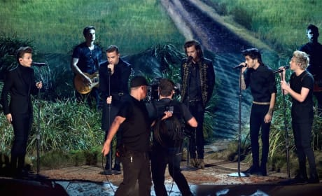"One Direction - ""Night Changes"" (American Music Awards"")"
