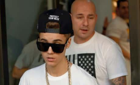 Justin Bieber Strutting
