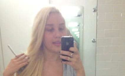 "Amanda Bynes Threatens to Sue Over ""Morphed"" Paparazzi Pics"