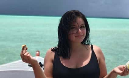 Ariel Winter Poses Topless, Flaunts Breast Reduction Scars, Remains a Boss