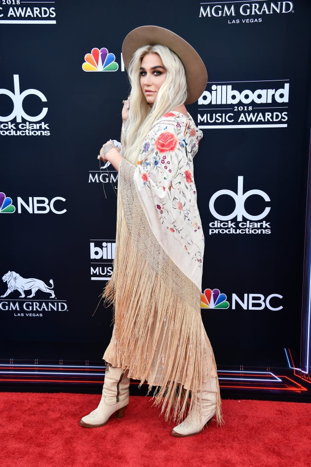 Kesha at the BMAs