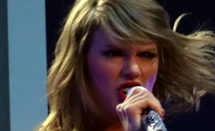 """Taylor Swift Uses Katy Perry's """"Left Shark"""" to Throw Major Shade On Stage! Watch!"""