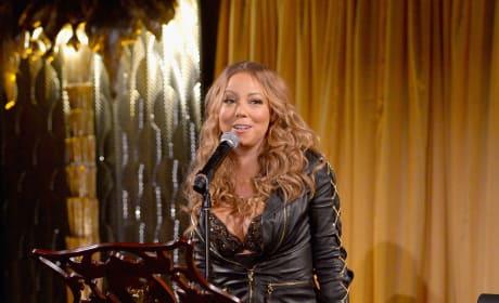 Mariah Carey Sings on Stage