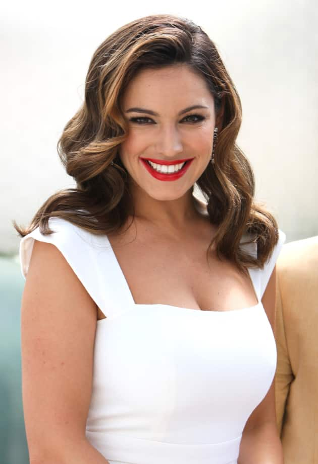 Kelly Brook Photo