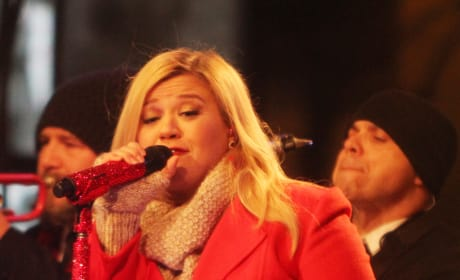 32 Gorgeous Kelly Clarkson Photos