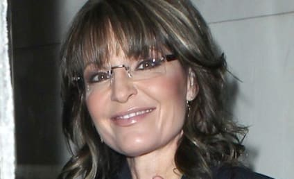 Sarah Palin Posts Photo of Son Stepping on Dog, Draws Criticism From Animal Rights Advocates