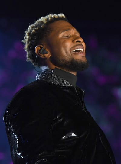 Usher on the Mic