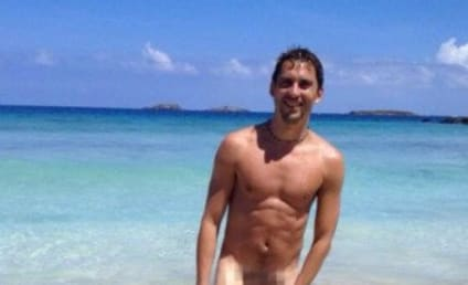 Paco León Hits One Million Followers, Posts Nude Photo