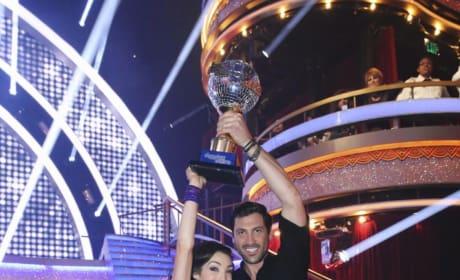 Meryl Davis and Maksim Chmerkovskiy Win