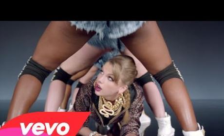 "Taylor Swift - ""Shake It Off"""