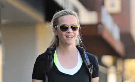 Reese Witherspoon Leaves Yoga Class in Brentwood