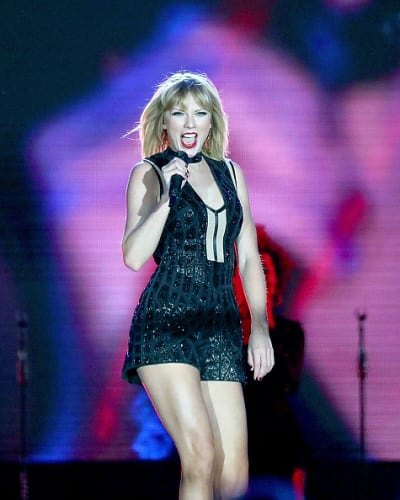 Taylor Swift Singing Her Heart Out In Texas