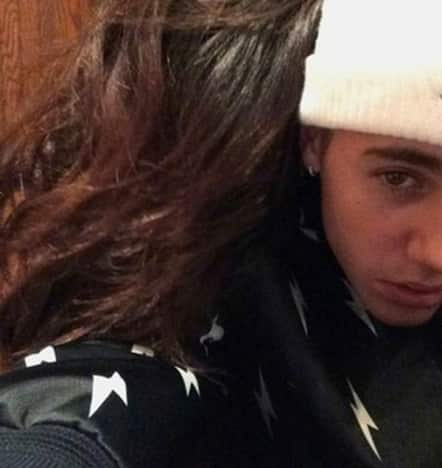Selena and Justin Cuddle