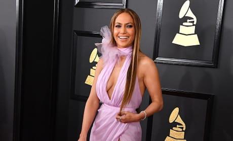 Jennifer Lopez at 2017 Grammys