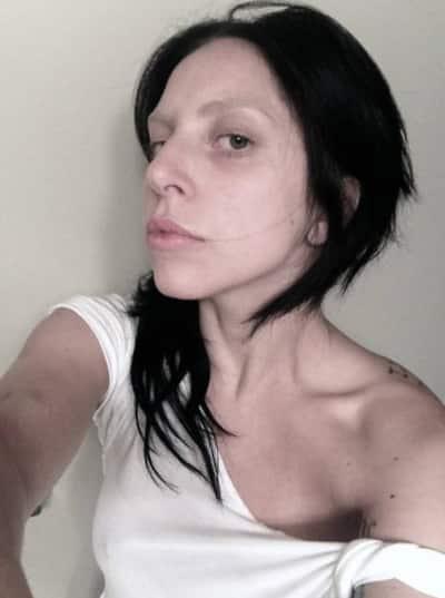 Lady Gaga No Makeup Selfie