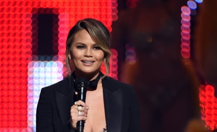 "Chrissy Teigen Slams ""Sh-thead"" Trolls, Defends Kristin Cavallari"