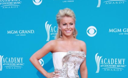 ACM Awards Fashion Face-Off: Julianne Hough vs. Kristen Bell