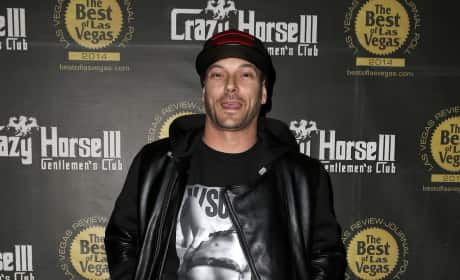 Kevin Federline Hosts: Crazy Horse's XXXMAS Party