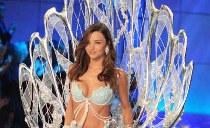Miranda Kerr, Naked Friends Pose For Pirelli Calendar