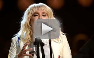 Kesha Blows Us Away at the Billboard Music Awards