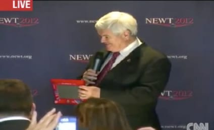 Newt Gingrich Demonstrates Etch-A-Sketch, Mocks Mitt Romney on Campaign Trail