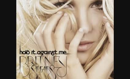 Britney Spears Debuts at #1, Makes Music History