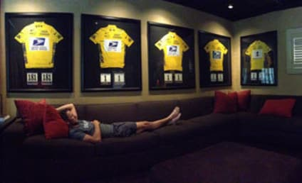 Lance Armstrong Posts Not-At-All-Staged Photo With Tour de France Yellow Jerseys