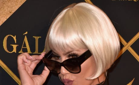 Amber Rose Wigs Out
