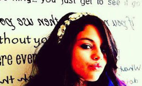 Do you like Selena Gomez with colorful hair?