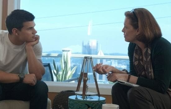 Taylor Lautner and Sigourney Weaver