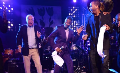 John McCain Does Robot Dance With Jamie Foxx, Impresses in Hamptons