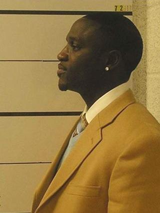 Akon Mug Shot (Side Action)