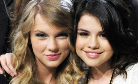 Taylor Swift, Selena Gomez FaceTime Demi Lovato