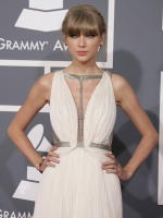 Taylor Swift at 2013 Grammys