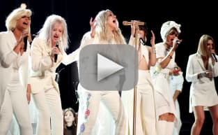 "Kesha Dominates Grammy Awards with ""Praying"" Performance"