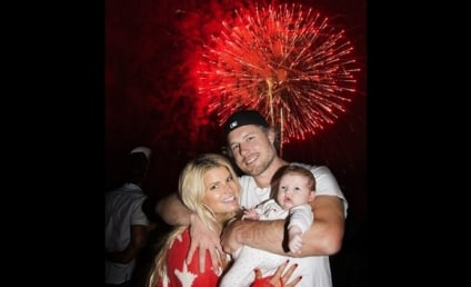 Jessica Simpson, Baby & Fiance: First Family Photo!
