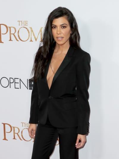 Kourtney Kardashian, No Bra