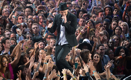 Justin Timberlake VMA Performance Photo