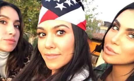 Kourtney Kardashian: Selfie Snap!