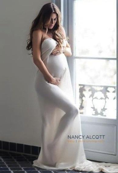 Pregnant Rachel Uchitel Photo