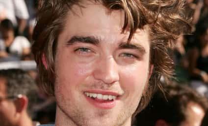 "New Moon Co-Star: Edward Cullen is ""Hallucination"" in Movie"