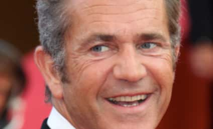 Mel Gibson Visits Hospital in Guatemala