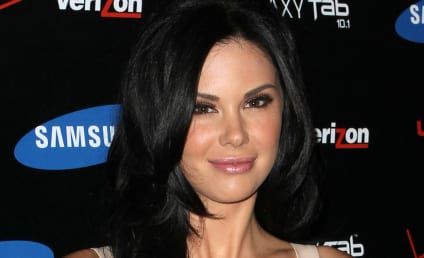 Jayde Nicole Warns Crystal Harris: Don't Mess with Hef!!!