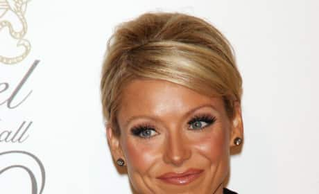 Kelly Ripa Close Up