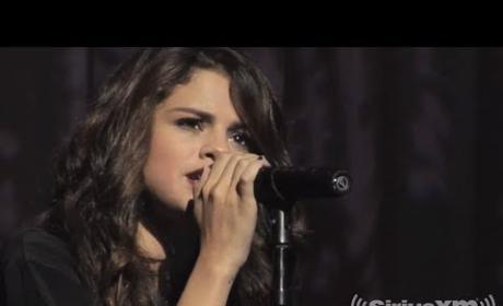 """Selena Gomez - """"Come & Get It"""" (Acoustic)"""